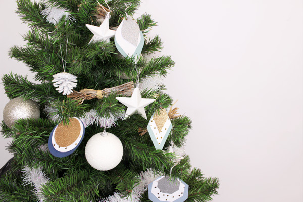 Christmas tree decorations DIY