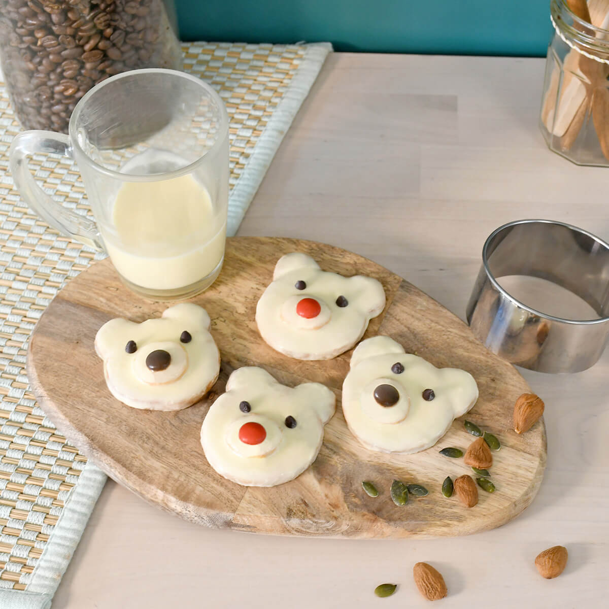 A little delicious and cutie recipe to be prepared for winter coming.